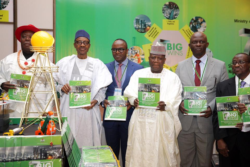 presentation-of-the-7-big-wins-document-led-by-president-buhari