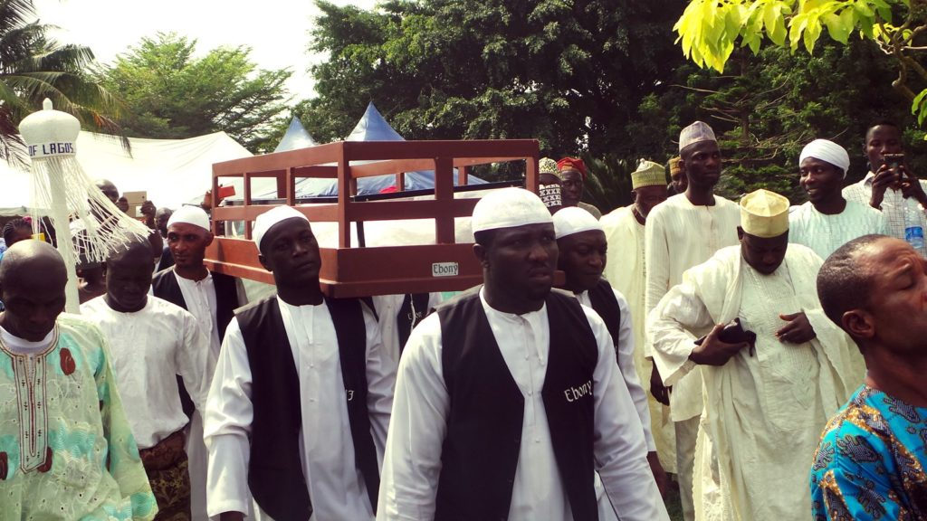 Undertakers convey the corpse of Rasheed Gbadamosi to its final resting place