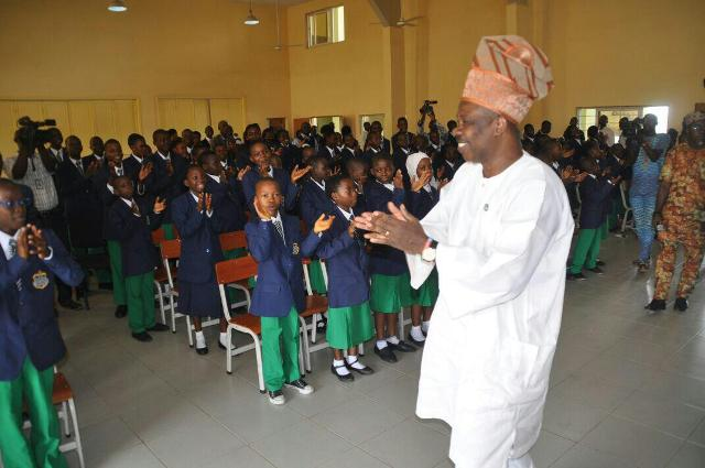Governor Amosun with the first set of pupils at the  Ogun State Model College, Akinale, Ewekoro, after the launch of the teaching and learning of German language in the school