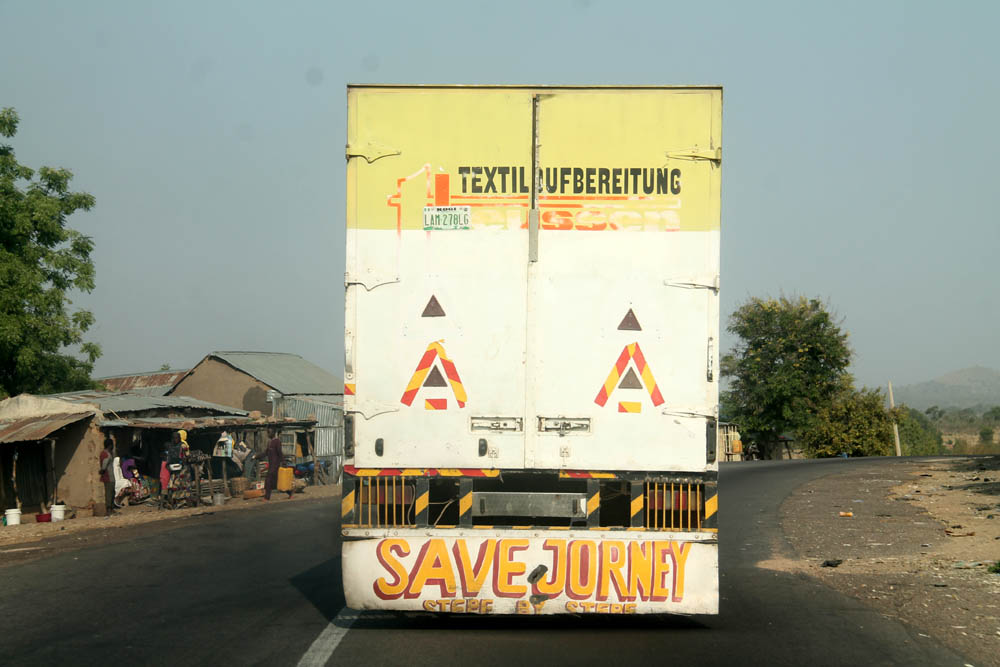 Adamawa-Numan Highway: Save or Safe journey, there seem to be no safe motoring practices here!