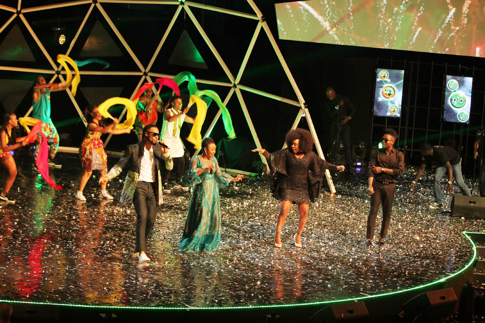 Flavour, Omowumi, Alade entertain guests