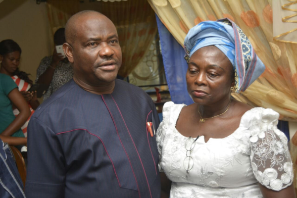 Wike at the late Amadi's home