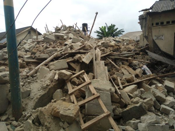 Collapsed two-storey building in Warri – photo NAN