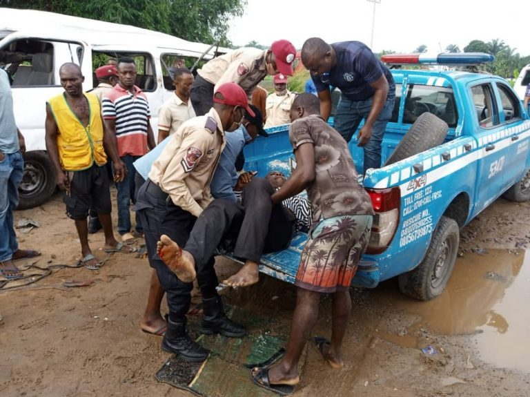 FILE PHOTO: FRSC operatives evacuating victims from a scene of road crash in Nigeria