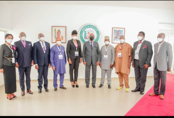 Governor Dapo Abiodun (centre) and members of African Development Bank and International Fund for Agricultural Development (AFDB/IFAD) Special Agricultural-Processing Zone (SAPZ) programme, the coordinators in Abeokuta on Wednesday