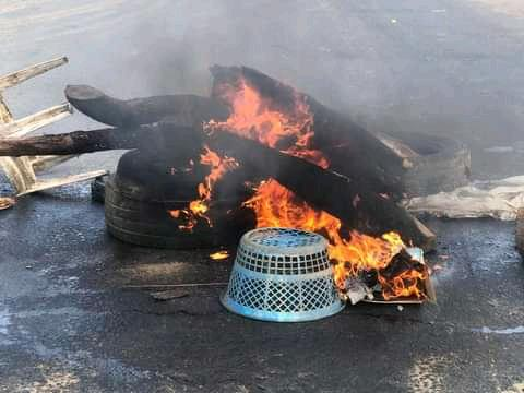 Bonfire at the Mbiama axis of the East-West road