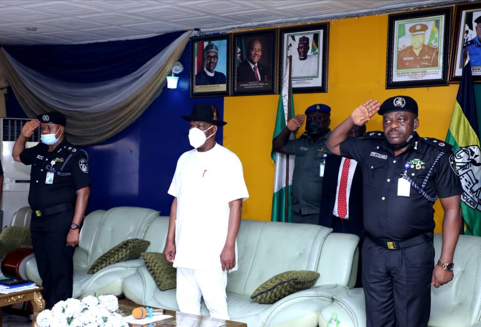 Governor of Rivers State, Nyesom Ezenwo Wike (middle); Commissioner of Police, Rivers State, Mr. Friday Eboka (left) and Deputy Commissioner of Police, Finance and Administration, Mr. Yomi Oladimeji (right) during the governor's visit to commiserate with the State Command on recent killing of Policemen in the State.