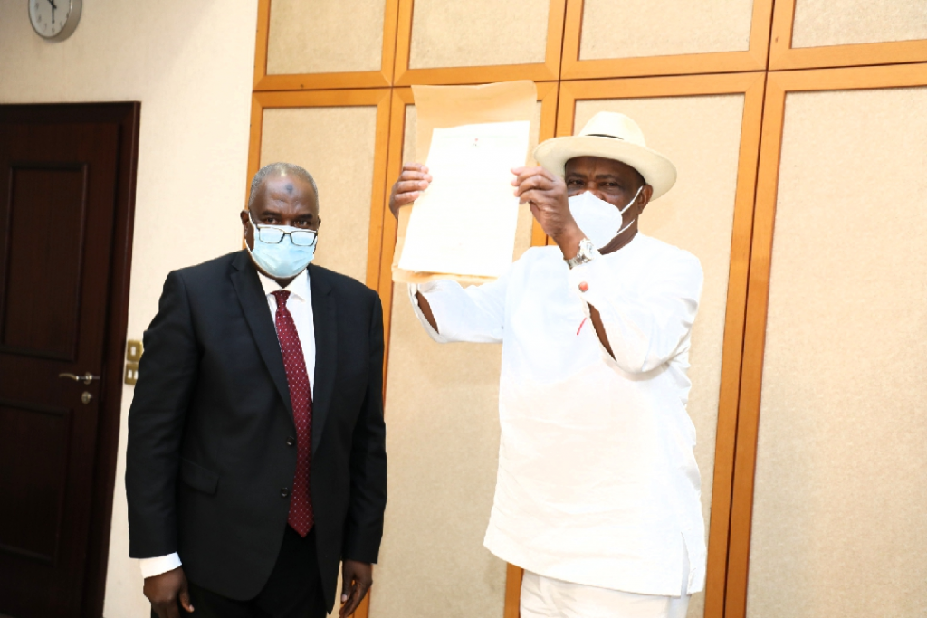 Governor of Rivers State, Nyesom Ezenwo Wike (right) and Director General of the Nigerian Law School, Professor Isa Huyatu Chiroma (left) during the presentation of letter of approval for the establishment of a Nigerian Law School campus in Port Harcourt to Governor Wike at the Government House, Port Harcourt on Thursday.