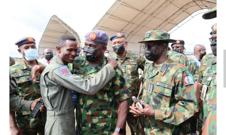 Lieutenant Abayomi Dairo, left, and other who rejoiced with him. Photo credit: TNG