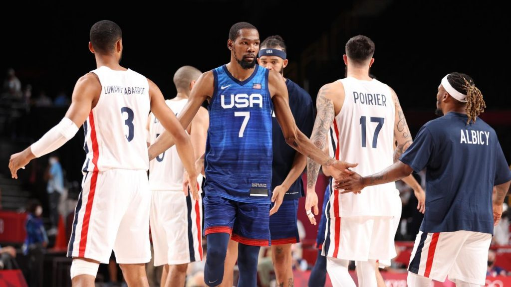 US and France basketball team during the match at Tokyo Olympics