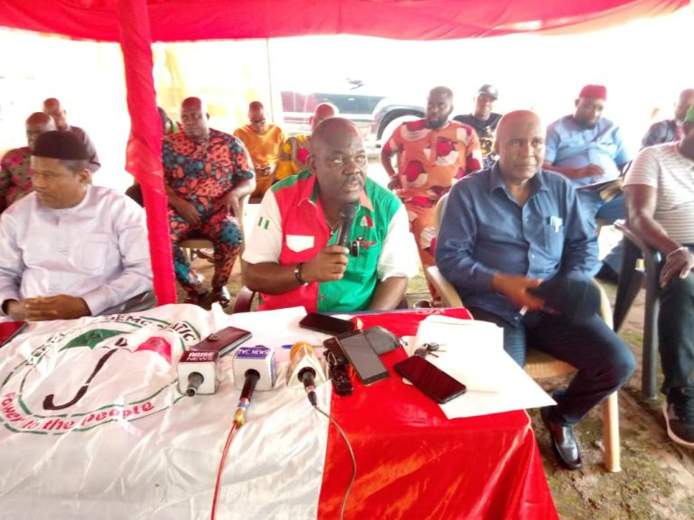 Chairman of  Peoples Democratic Party (PDP) in Anambra, Chief Ndubuisi Nwobu addressing journalists in Awka on Wednesday