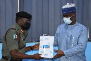 The Managing Director, News Agency of Nigeria (NAN) Mr Buki Ponle and Director Defence Information (DDI), Maj.-Gen. Benjamin Sawyerr, during a familiarisation visit by the DDI to NAN on Thursday, 26/8/2021.