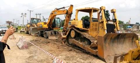 Renolds Construction Company Limited,RCC, mobilizes equipment to site.