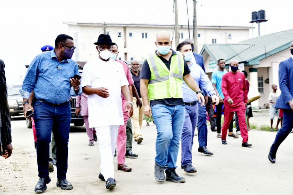 L-R: Rivers State Commissioner of Works, Elloka Tasie-Amadi; Governor of Rivers State, Nyesom Ezenwo Wike and the Project Manager, Julius Berger Nigeria Plc, Engineer Taner during inspection of the dualisation of Ogbunubali road in Port Harcourt on Wednesday.