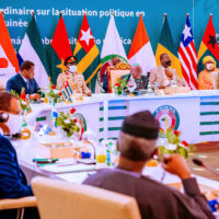 ECOWAS leaders meeting at their meeting in Accra on Thursday: impose sanctions against the junta in Guinea and those slowing Mali's post-coup transition.