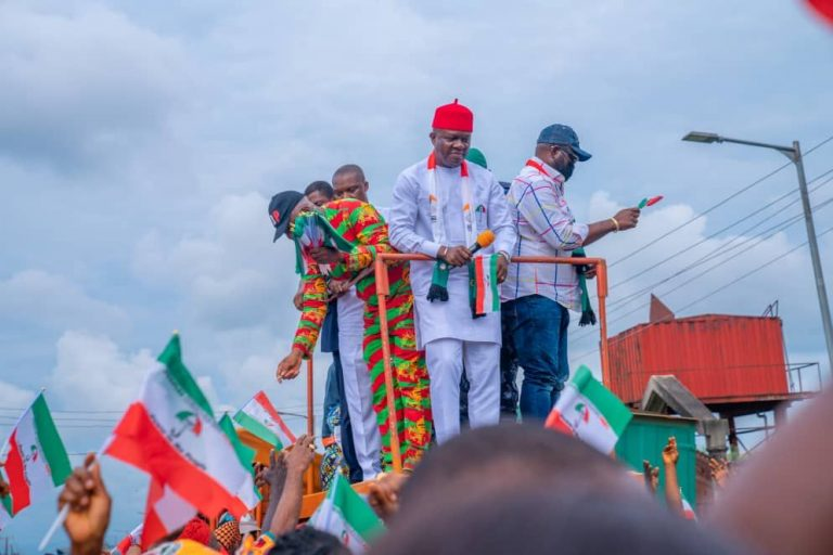 Ozigbo addressing party faithful in Awka upon his return from Abuja.
